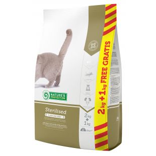 NATURE'S PROTECTION Sterilised Adult 1 year and older Poultry Sausas pašaras katėms 2+1 kg