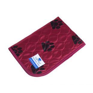 HIPPIE PET Daugkartinio naudojimo pala gyvūnams 70x80 cm raudona su pėdomis (dydis M)