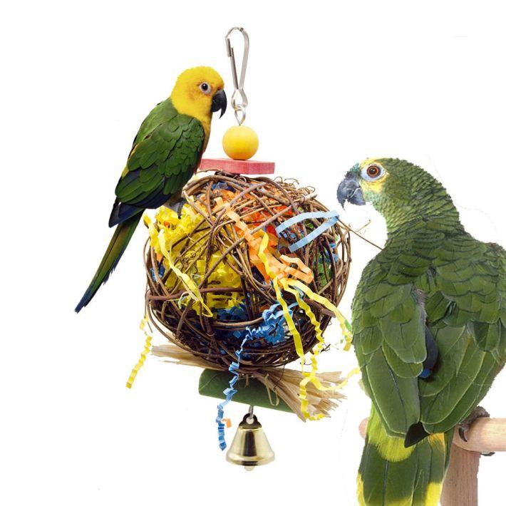 Paukščio linksmybėms – įvairūs žaislai